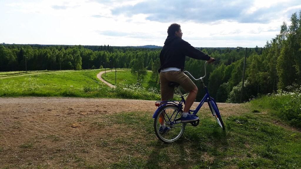 Pyörä-Mies-Paloheinänmäki-Helsingin-Keskuspuisto