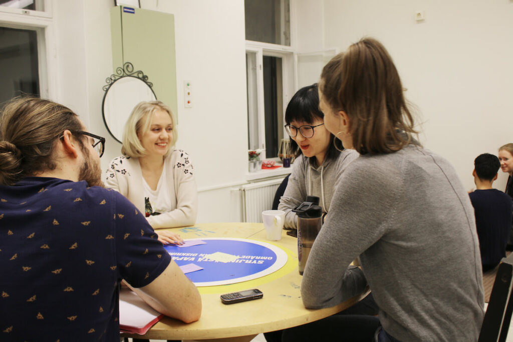 Opi suomea suomeksi tapaaminen Lapinlahdessa